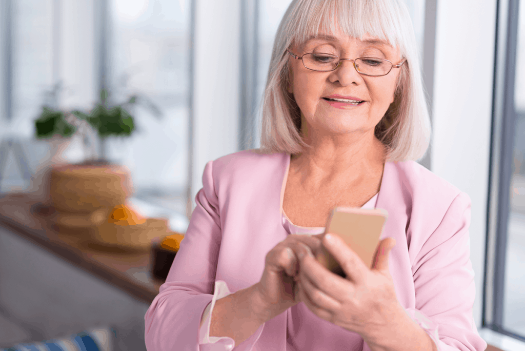 Someone contacting Senior Net By Mobile Phone
